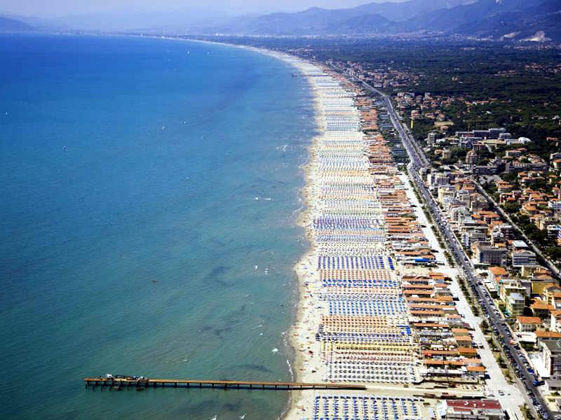 forte-dei-marmi-spiaggia-800x600